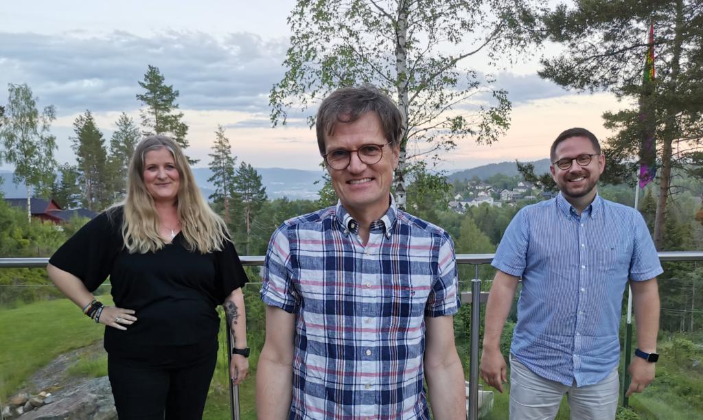 Drammen Pride-komiteen 2021, fra venstre: Susanne Imset, Egil J. Bye og Anders Bjørnerud. Ikke med på bildet: Øyvind Lundberg Nilsen, Zaira Lo Monaco, Lars Askerød og Iren B. Hope